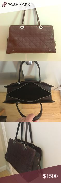 Real Dior Handbag, like new Christian Dior Purse! Very lightly used, slight wear noticeable but almost like new! Christian Dior Bags Totes