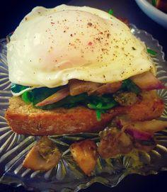 #friedegg #mushrooms #spinach #buttercream #onionrings #friedbread #mocanufitness #breakfast #cook #passione # #englishbreakfast #art #photography #stayhome #wallpaper #easyrecipe Onion Rings, Spinach, Art Photography, Stuffed Mushrooms, Easy Meals, Wallpaper, Cooking, Breakfast, Healthy