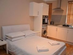 Newly refurbished double studio apartment located in Paddington. Great location with easy access to the city. The apartment comes with a fully refurbished open plan kitchen, bedroom and living area with a seperate bathroom. We provide all linens and towels and a weekly cleaning service.