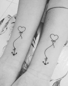 Tatuagens de Simone e Natalia #tattoo #rockinkrolltattoo #tatuagensfemininas #tatuagensdelicadas #hearttattoo #ancora #archortattoo #maeefilhatatuagem #garotastatuadas #tattoogirls #tattogirlsofinstagram