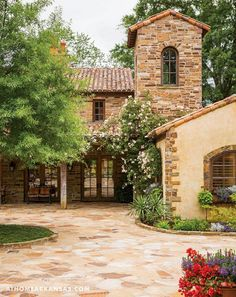Rustic Italian Home – La Bella Vita Rustic Italian Decor, Rustic Farmhouse, Farmhouse Style, Rustic Style, Italian Home Decor, Rustic Outdoor, Country Style, French Country, Outdoor Decor