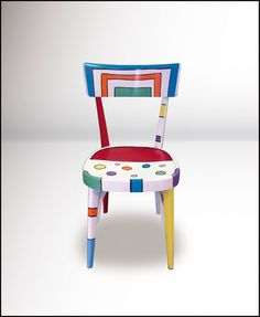 Hand Painted Furniture Ideas Upcycle 69 New Ideas Whimsical Painted Furniture, Hand Painted Chairs, Hand Painted Furniture, Colorful Furniture, Repurposed Furniture, Paint Furniture, Diy Furniture Projects, Furniture Makeover, Arte Peculiar