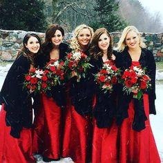 Christmas Bridesmaid Dresses, Winter Wedding Bridesmaids, Red Bridesmaids, Winter Wedding Colors, Black Bridesmaid Dresses, Winter Wedding Inspiration, Black Wedding Dresses, Wedding Ideas, Wedding Blog
