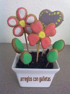 Arreglos de flores con galletas...
