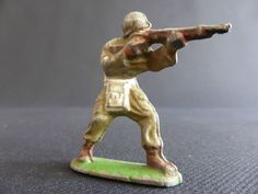 SOLDAT AVEC FUSIL EN JOUE QUIRALU ? ALUMINIUM ARMEE MILITARY PATRIE US ARMY GI | eBay