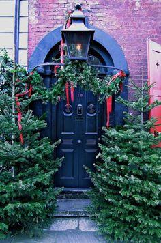 Dennis Sever's house at Christmas, Doors of Spitalfields
