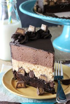 Peanut Butter Chocolate Mousse Cake from @lifelovesugar.. the best kind of comfort food!