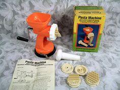$14.99 VINTAGE 1977 PASTA MACHINE WITH 4 PASTA FORMS