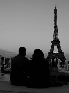 Eiffel Tower and couple by Quadriman on Flickr.