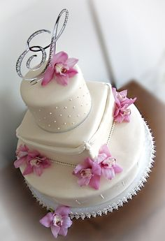 fantastically simple wedding cake :)