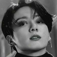 Jungkook Selca, Jungkook Fanart, Bts Taehyung, Bts Bangtan Boy, Foto Bts, Bts Photo, K Pop, Bts Makeup, Aesthetic Photography Nature