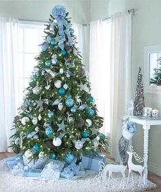 Some-Stylish-Christmas-Tree-Decorating-Ideas.jpg 602×719 píxeles