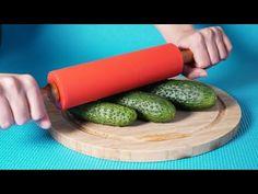 12 legjobb és leghasznosabb tanács a konyhában - praktikus és hasznos tanácsok!| Tökéletes - YouTube Plastic Cutting Board, Diy And Crafts, Vegetables, Cooking, Kitchen, Youtube, Food, Useful Life Hacks, Fine Dining