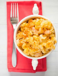 Cajun Shrimp Macaroni and Cheese Recipe. Your favorite baked macaroni and #cheese loaded up with #spicy shrimp, pepper jack and cheddar cheese then topped with Panko bread crumbs.