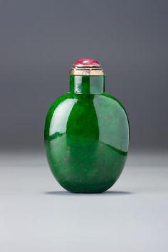A jadeite snuff bottle 1780–-1880