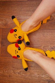 Personalized Pikachu Pokemon go handcrafted to order socks slippers knitted slippers, slippers, woman socks, mens slippers, gift idea – socken stricken Pikachu Crochet, Knitting Patterns, Crochet Patterns, Crochet Shoes Pattern, Knitted Slippers, Knitting Socks, Knitting Machine, Sock Shoes, Womens Slippers
