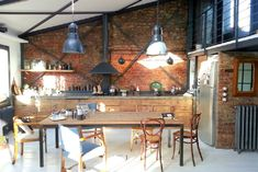 Another loft tolove, with industrial kitchen/dining - desire to inspire - desiretoinspire.net