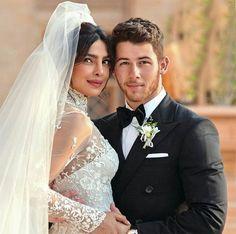Priyanka Chopra and Nick Jonas Priyanka Chopra Wedding, Priyanka Chopra Hot, Celebrity Wedding Dresses, Celebrity Weddings, Wedding Couples, Cute Couples, Most Beautiful Hollywood Actress, Bride And Groom Pictures, Wedding Pictures