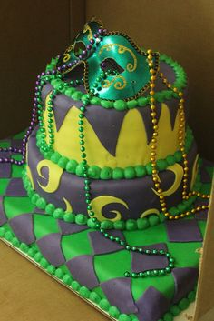 Mardis Gras Cake with traditional costume patterns