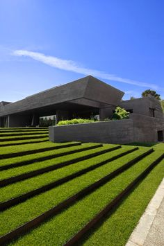 Concrete house in Pozuelo de Alorcón, Spain by A-cero and Joaquin Torres Archit. Betonhaus in Pozuelo de Alorcón, Spanien von A-cero und Joaquin Torres Architects . Architecture Design, Green Architecture, Sustainable Architecture, Amazing Architecture, Contemporary Architecture, Landscape Architecture, Landscape Design, Garden Design, House Design