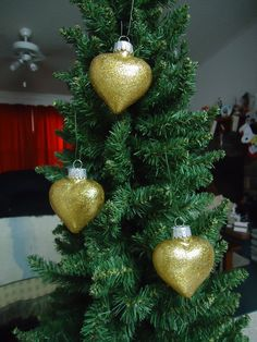 Set of 3 Gold Glass Heart Christmas Tree by CraftsbyCummins