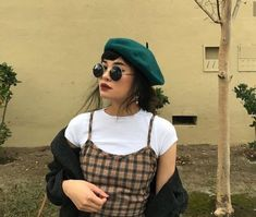 Beret outfit Paris Outfits, Outfits With Hats, Casual Outfits, Cute Outfits, Fashion Outfits, Womens Fashion, Fashion Top, Aesthetic Fashion, Aesthetic Clothes