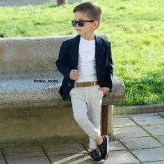 Boy Meets World Fashion Kids Fashion Wear, Toddler Boy Fashion, Little Boy Fashion, Toddler Boy Outfits, 90s Fashion, Outfits Niños, Boys Dress Outfits, Baby Boy Dress, Kids Suits