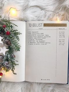 Christmassy to-do list for bullet journal. Click the link to see 6 other holiday spreads!
