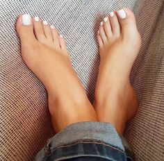 love her beautiful toes!!