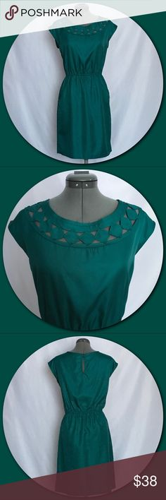"""Banana Republic 💕Sleeveless Emerald Green Dress💕 Banana Republic 💕Sleeveless Emerald Green Dress. Features: Raw edges around front neck detail and cut out diamond pattern. Two side pockets. Elastic around waist. Keyhole with two button closure in the back. Small tag hole (picture #5) to the left of the button closure. Approximate measurements taken lying flat with no stretch. Bust - 19 1/2"""" armpit to armpit. Waist - 14 3/4"""" side to side. Length - 36 1/2"""" shoulder to hem. Size 10. EUC.💕…"""
