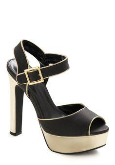 e903e64e131f2 81 Best Shoes needing a home on my feet images