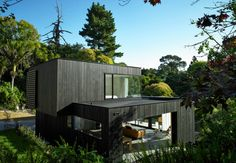 Residential Architecture: Waiatarua House by Hamish Monk Architecture: Orakei creek gully, Auckland, New Zealand.