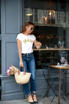 2016 T-shirt: À Bicyclette, Jeans: Levi's, Shoes: Castañer, Bag: from a flea market,