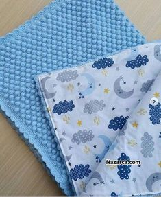 Pompon Baby Blanket Making – Knitting And We Baby Booties Knitting Pattern, Baby Knitting Patterns, Handmade Baby Clothes, How To Start Knitting, Knitting Videos, Baby Sweaters, Baby Blanket Crochet, Beautiful Crochet, Baby Sewing