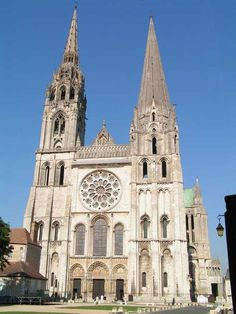 "* Catedral de Chartres * ""Notre Dame de Chartres"". Estilo gótico."