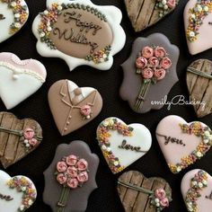 Galletas decoradas boda Wedding cookies (With images) Fancy Cookies, Valentine Cookies, Iced Cookies, Cute Cookies, Royal Icing Cookies, Cookies Et Biscuits, Cupcake Cookies, Sugar Cookies, Cookies Decorados