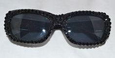 Rhinestoned sunglasses, love!  www.vavavette.com