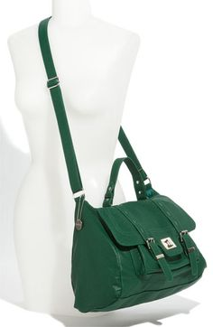 I like the size and the over the shoulder strap.