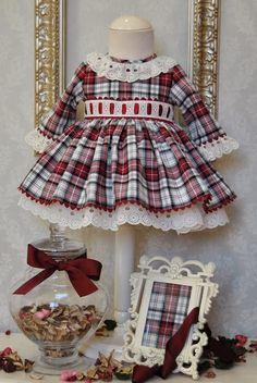 El armario de Lucía Toddler Girl Style, Toddler Dress, Toddler Outfits, Kids Outfits, Baby Girl Dress Patterns, Little Girl Dresses, Girls Dresses, Mom Dress, Baby Dress