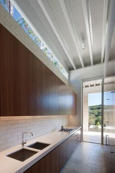 Stewart House is a minimalist house located in Whale Beach, Sydney, designed by Chenchow Little Architects. The Stewart House is located in . Design Your Home, Modern House Design, Little Architects, Brick And Wood, Architect House, Brickwork, Residential Architecture, Minimalist Home, New Homes