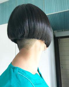 Undercut Hairstyles Women, Undercut Women, Stacked Bob Hairstyles, Trendy Hairstyles, Bob Haircuts, Shaved Undercut, Shaved Nape, Undercut Bob, Shaved Head