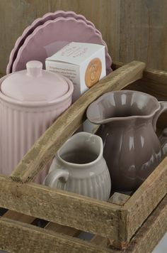 Mynte stoneware by Ib Laursen, a wooden box of combinations in Cafe Latte, Milky Brown, Dusty Violet and English Rose...