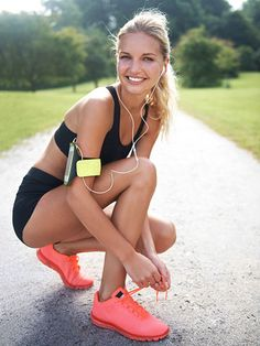 Bridal Boot Camp: Your Sweating-for-the-Wedding Playlist Simone hooked Fitness Magazine up with the ultimate Sweating-for-the-Wedding playlist. Whether you're planning or attending this season, this playlist is for you! Training Fitness, Sport Fitness, Fitness Goals, Fitness Tips, Health Fitness, Fitness Friday, Free Fitness, Best Workout Songs, Fun Workouts