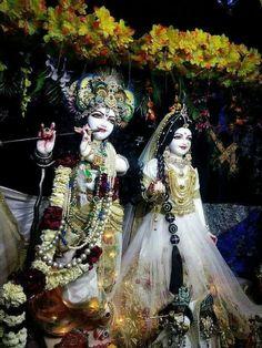Radha Krishna Wallpaper, Radha Krishna Images, Radha Krishna Love, Jai Shree Krishna, Radhe Krishna, Hanuman, Mata Rani, World Mythology, Spiritual Images
