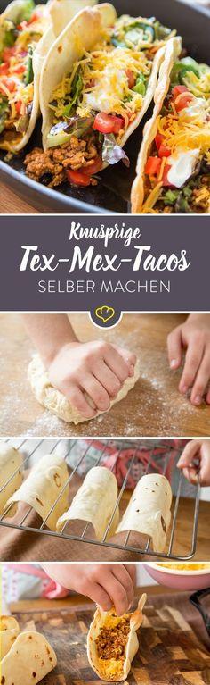 Tacos mit kassicher Tex-Mex-Kombi aus Rinderhack, Cheddar, Tomaten, Salat und Sour Cream. - Komplett selbstgemacht! #grillingrecipes