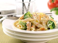 Utilize your leftovers with this easy to make chicken and broccoli penne pasta made with lactose free Cabot tomato basil cheddar cheese! Get the recipe today! Cheesy Pasta Recipes, Chicken Pasta Recipes, Healthy Pasta Recipes, Healthy Pastas, Cooking Recipes, Simple Recipes, Healthy Foods, Free Recipes, Pasta Dishes