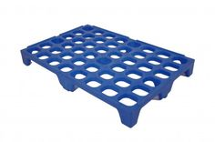 Dog ramp for swimming pools - do it yourself with a plastic pallet and some pool noodles