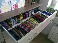 Najlepsze sposoby i proste triki na przechowywanie zimowych ubrań - Deccoria.pl