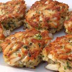 Maryland Crab Cakes are the best ever! Charleston crab cakes are pretty good too Fish Dishes, Seafood Dishes, Fish And Seafood, Main Dishes, Seafood Meals, Seafood Market, Fresh Seafood, Old Bay Crab Cakes, Maryland Style Crab Cakes