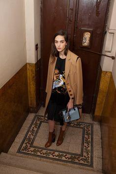 https://www.vogue.com/fashion-shows/pre-fall-2018/marco-de-vincenzo/slideshow/collection#8